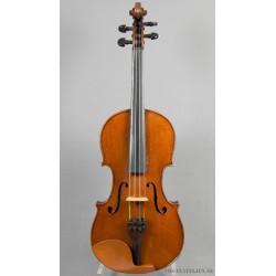 Violin från Mirecourt med diverse etiketter.